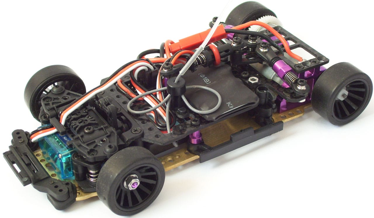 JR128-R01-RTR-PRO-chassis-cut