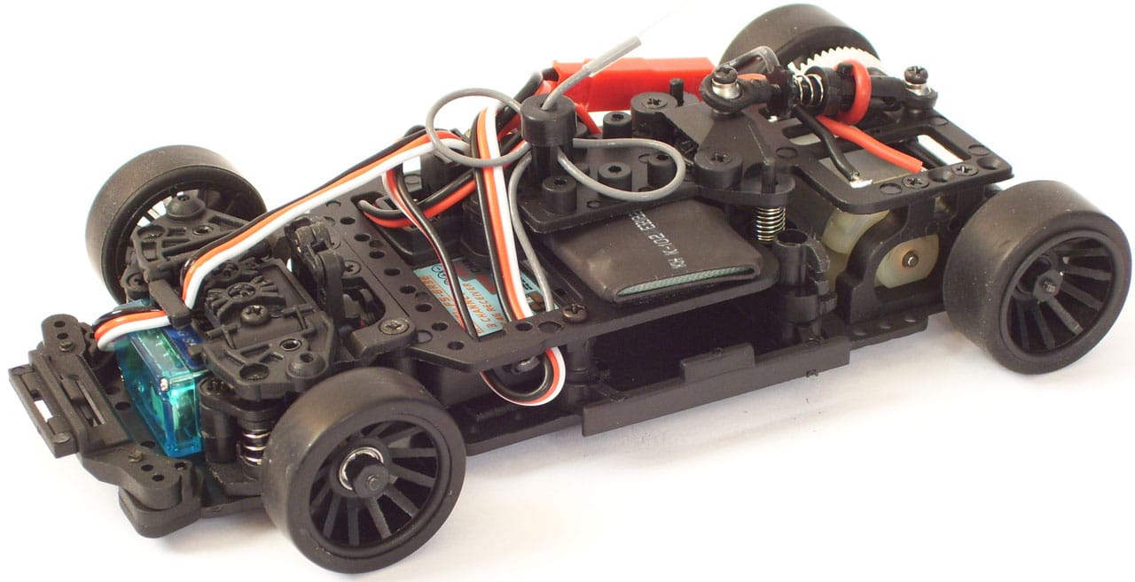 JR128-R01-RTR-chassis-cut-00